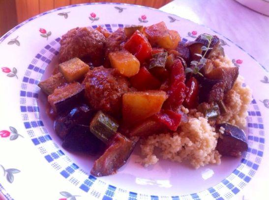 couscous verdure e polpettine