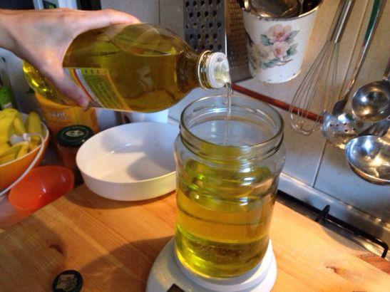 pesare un kg di olio