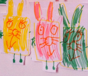 Coniglietti colorati -  disegno realizzato da Morgana, 3 anni